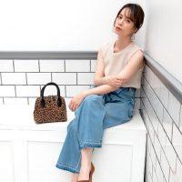 デニムワイドパンツの夏コーデ【2020最新】きれいめに着こなすお手本ファッション