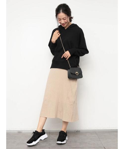 ビッグサイズパーカー×ニットタイトスカート