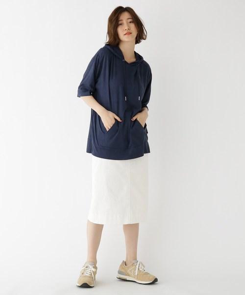 ビッグサイズ半袖パーカー×タイトスカート