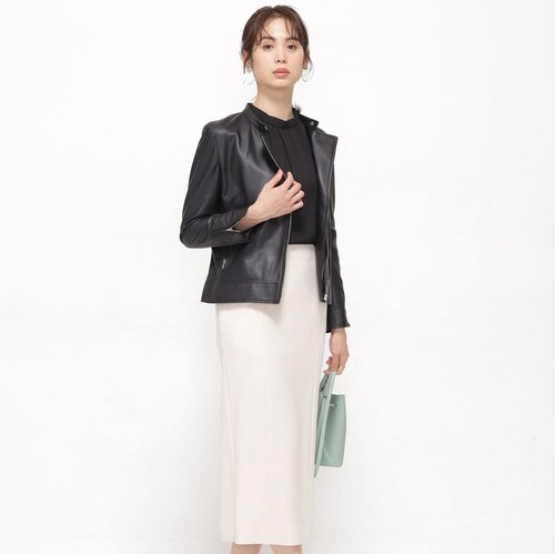 大人女子のモノトーンコーデ【2020最新】ワンランク上の着こなしを季節別にご紹介
