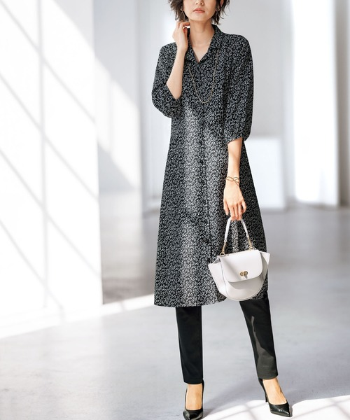 [BELLUNA PLUS] 開衿デザインプリントワンピース