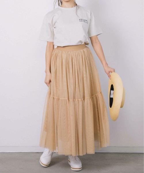 白ロゴT×チュールスカートの夏コーデ