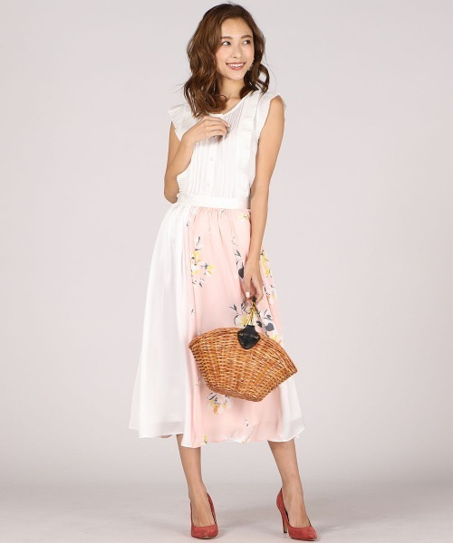 ピンク切り替えスカートのコーデ