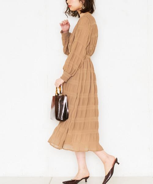 [natural couture] 【WEB限定カラー有り】シャーリングプリーツおしゃれワンピース