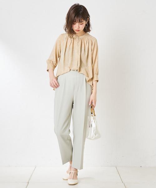 [natural couture] 【WEB限定】とろみサテンパール釦ブラウス
