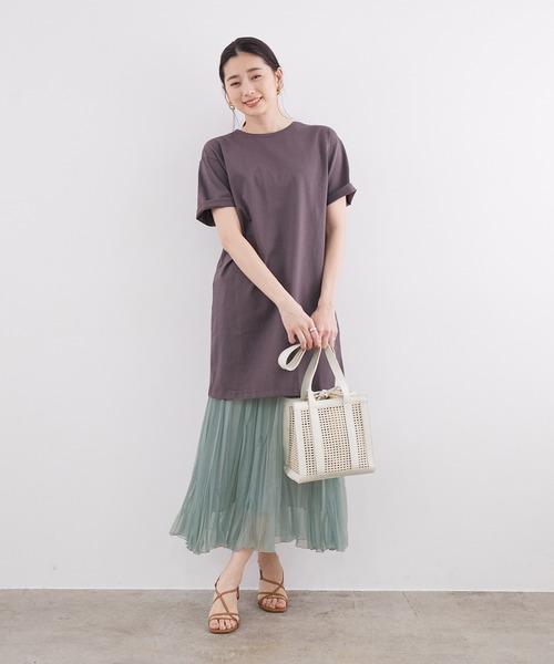 ビッグTシャツ×プリーツスカート