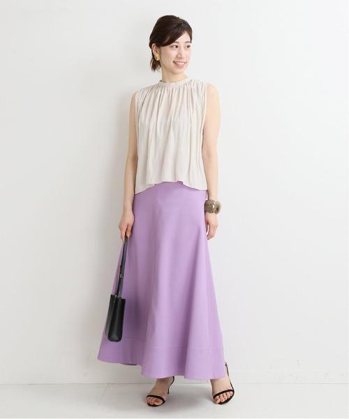 ノースリーブブラウス×ピンクスカート