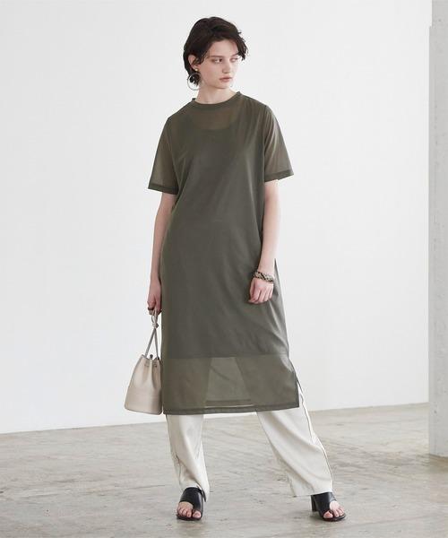 シアーワンピースの40代向け夏ファッション