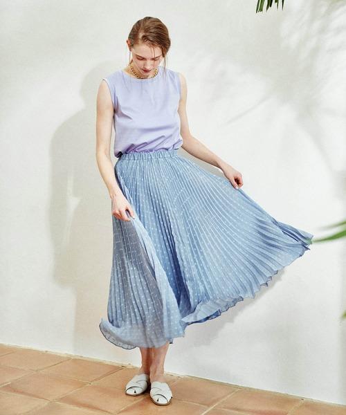 ノースリーブTシャツ×ドットプリーツスカート