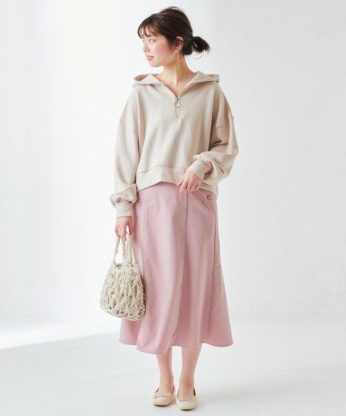 ジップショートパーカー×ピンクスカート