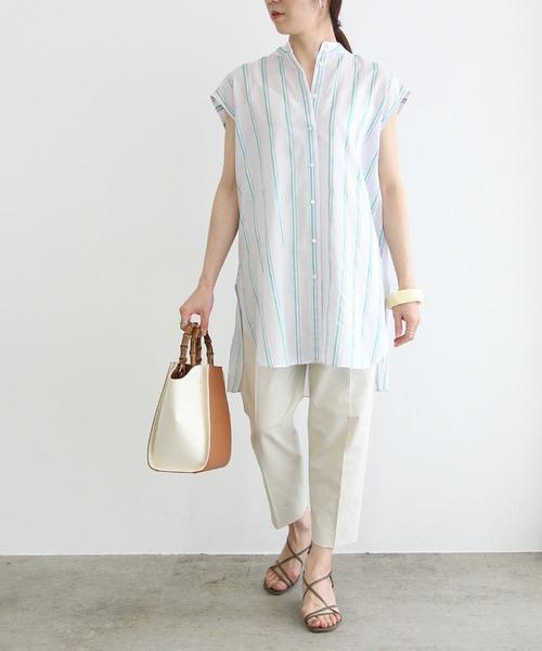 クロップドパンツとシャツのアラフォーコーデ