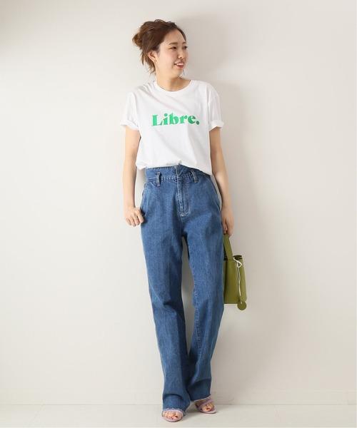 ロゴTシャツ×デニムワイドパンツの夏コーデ