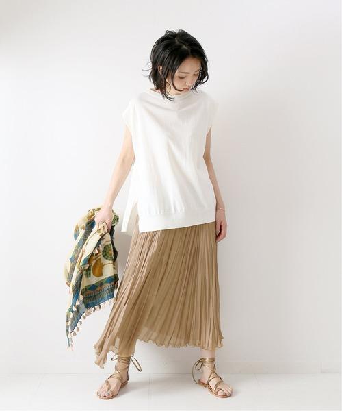 シアープリーツスカートのおすすめ40代コーデ