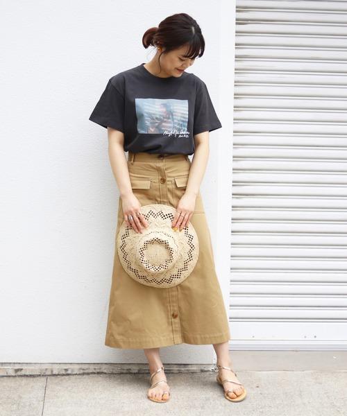 プリントT×スカートのレディースコーデ