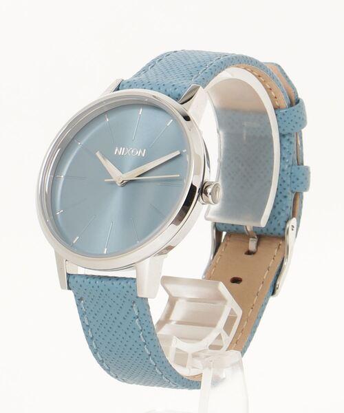 くすみカラーがかわいい腕時計