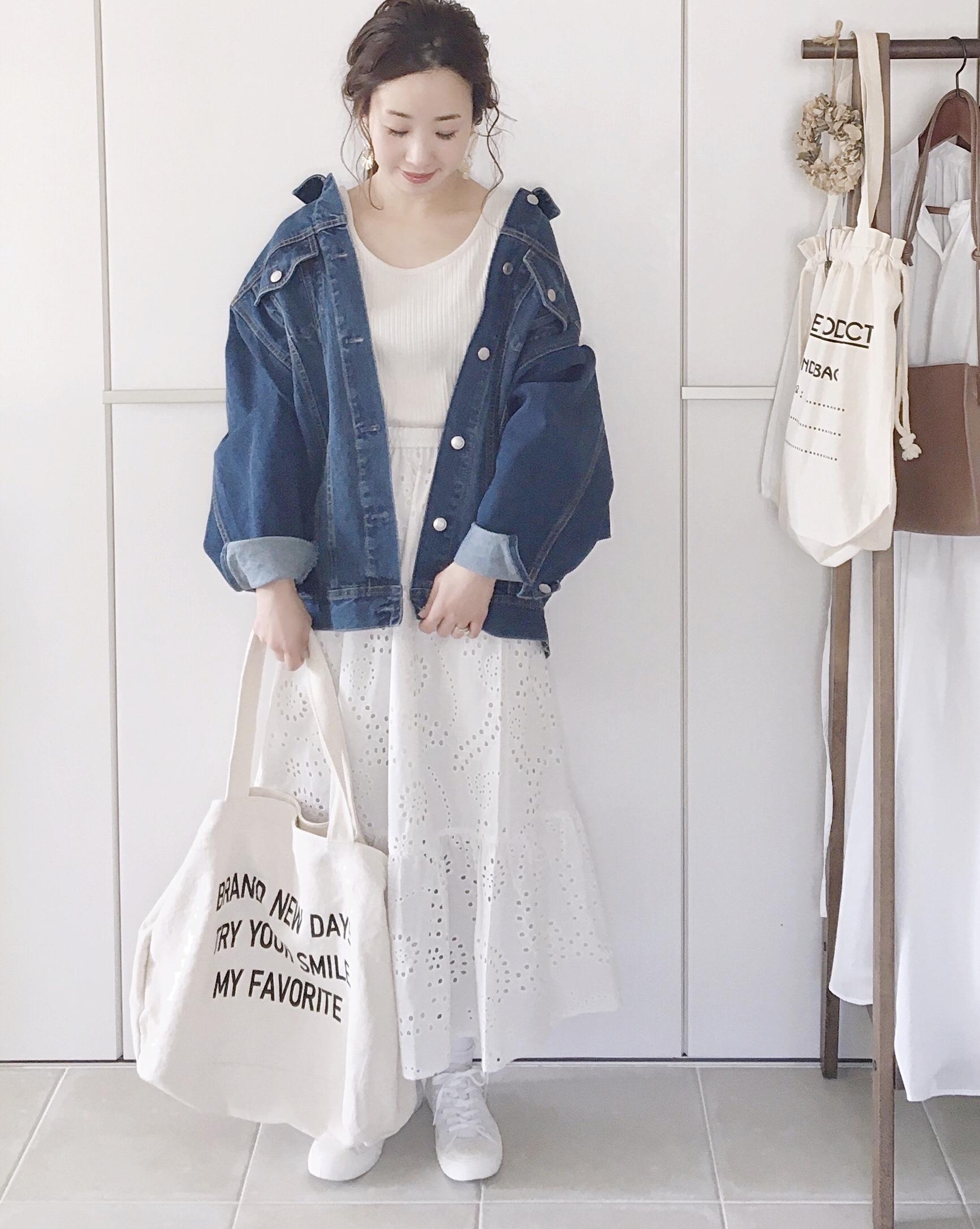 定番♡ 白スカート×デニムジャケット