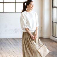 大人の白スウェットコーデ【2020最新】ゆるっと爽やかなおしゃれ女子の着こなし