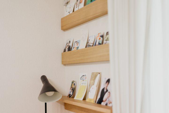 「長押」は写真や本を飾る場所としても活用できますよ