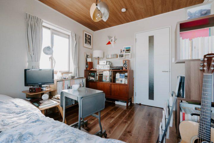 「一人暮らしタイプのお部屋」の家具配置事例d