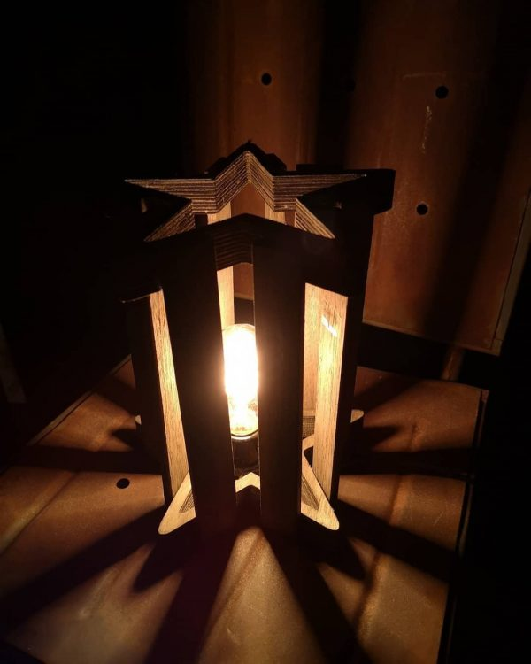 DIYの応用☆かっこいい星形テーブルランプ