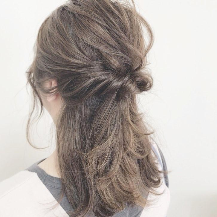 くせ毛でも広がらない!雨の日におすすめのヘアアレンジを長さ別にご紹介♪