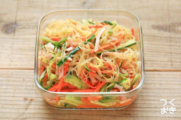 野菜たっぷり人気の和え物!中華春雨サラダ