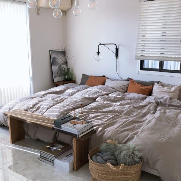 古材家具を取り入れた寝室
