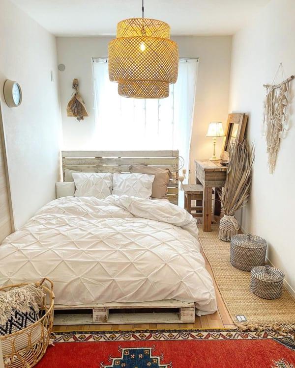 自然素材のアイテムを使った寝室2