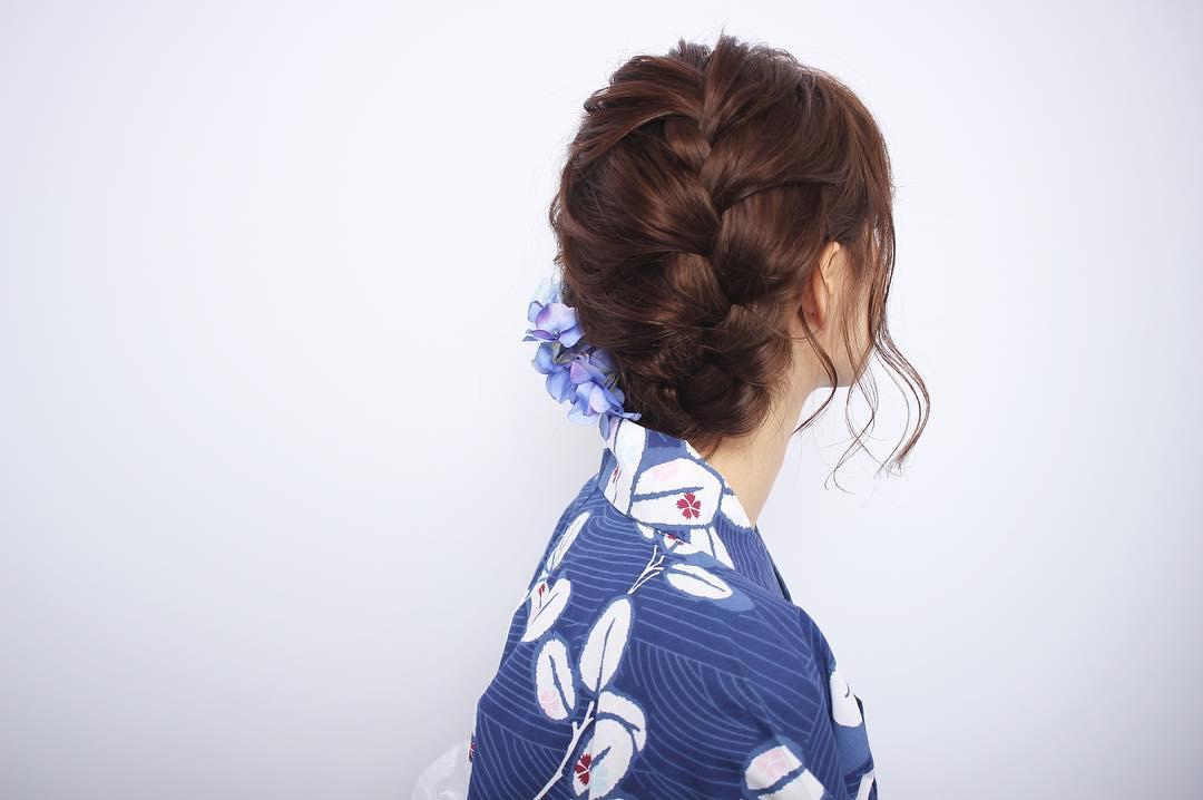 浴衣に似合うミディアムヘアアレンジ5.編み込み