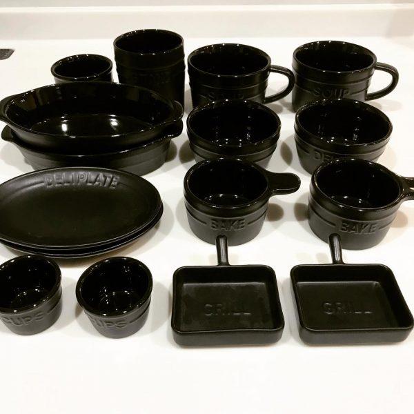 おしゃれでコンパクトなサイズがキュート♡マットモノトーン食器