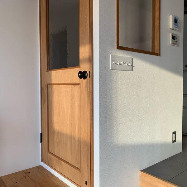 オリジナリティ溢れる室内窓やスイッチ
