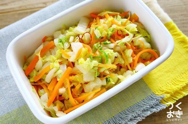 話題の簡単レシピに!白菜の甘酢漬け