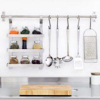 一人暮らしの自炊に必要な調味料、最低限そろえておきたい物は?