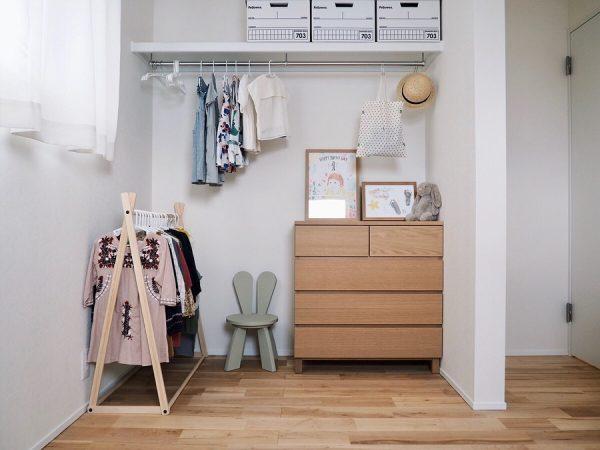 オープンクローゼットの子供部屋
