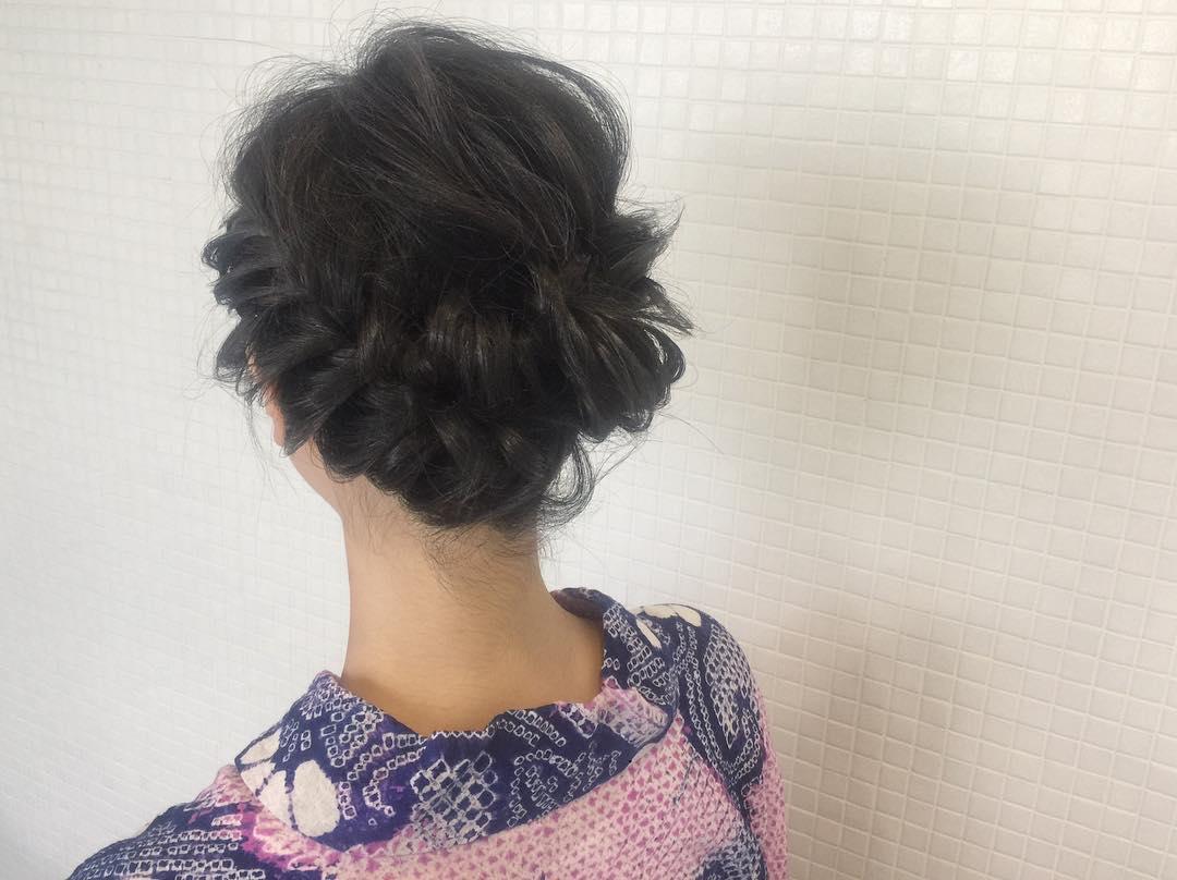 浴衣に似合うミディアムヘアアレンジ5.編み込み2