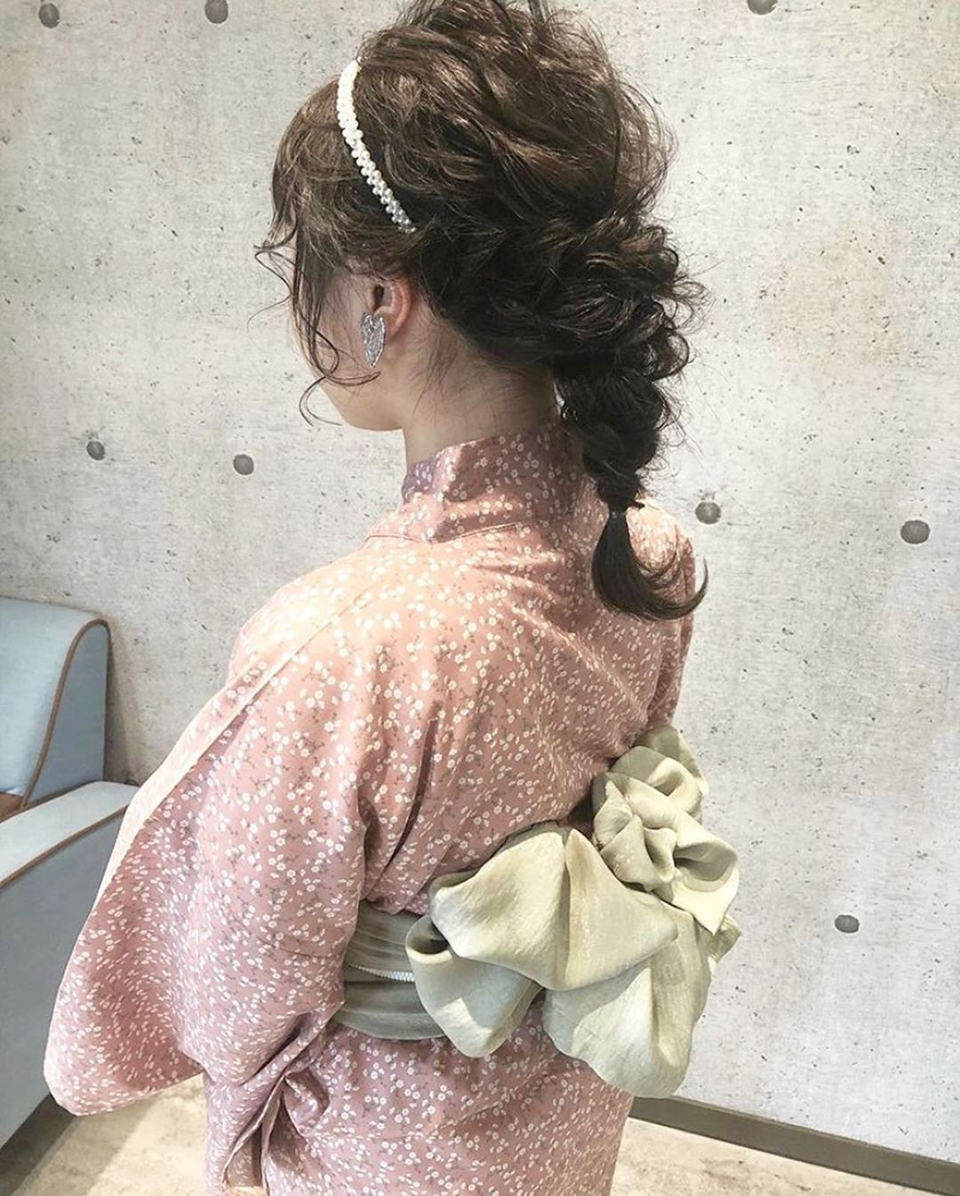 浴衣に似合うミディアムヘアアレンジ4.編み下ろし2