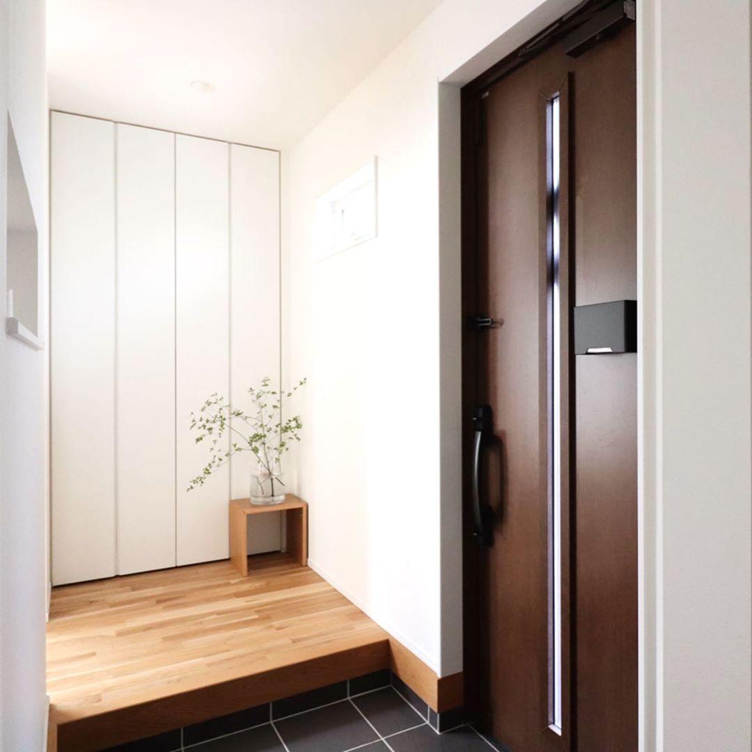 やっぱりシンプルが1番好き♡飽きないおしゃれな玄関インテリア実例