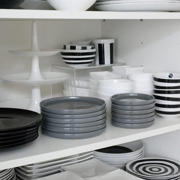 重なる食器を使った収納アイデア