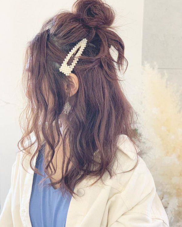 お団子ハーフアップのデート向けの髪型