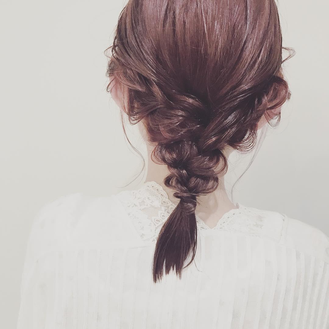 浴衣に似合うミディアムヘアアレンジ4.編み下ろし3