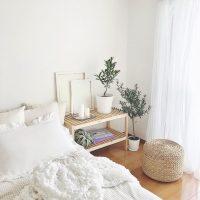 おしゃれなベッドサイドテーブル☆【IKEAアイテム】を使った快適なベッドルーム