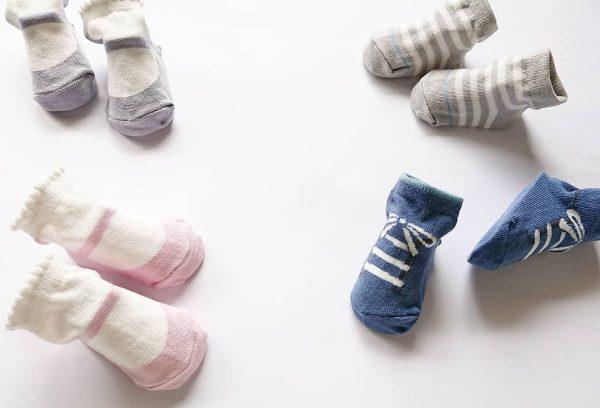 靴のようなデザインの靴下