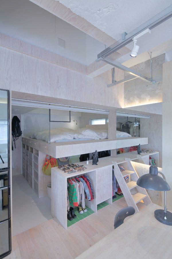 収納を確保したベッドスペース