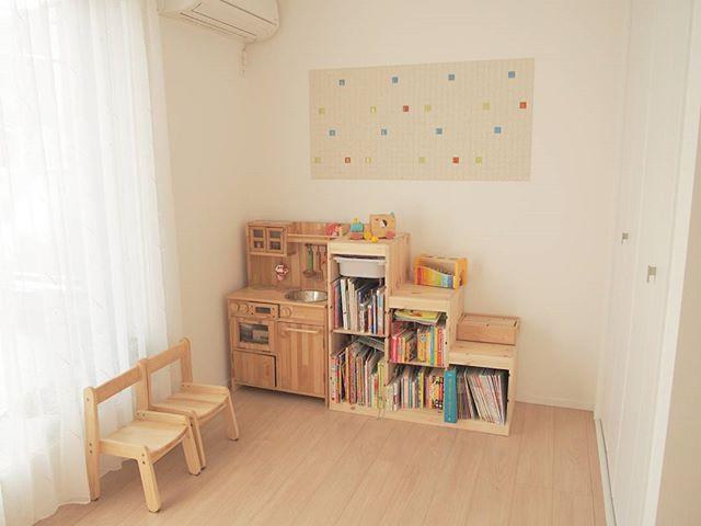IKEAの棚は本棚として活用