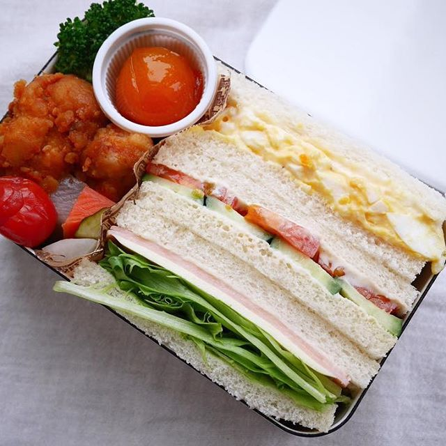 サンドイッチのお弁当☆人気レシピ《野菜サンド》