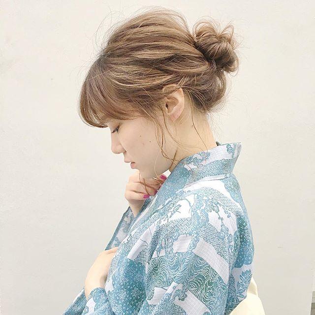 浴衣に似合うミディアムの簡単な髪型《お団子》
