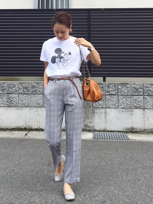 プリントTシャツ×グレンチェックパンツ