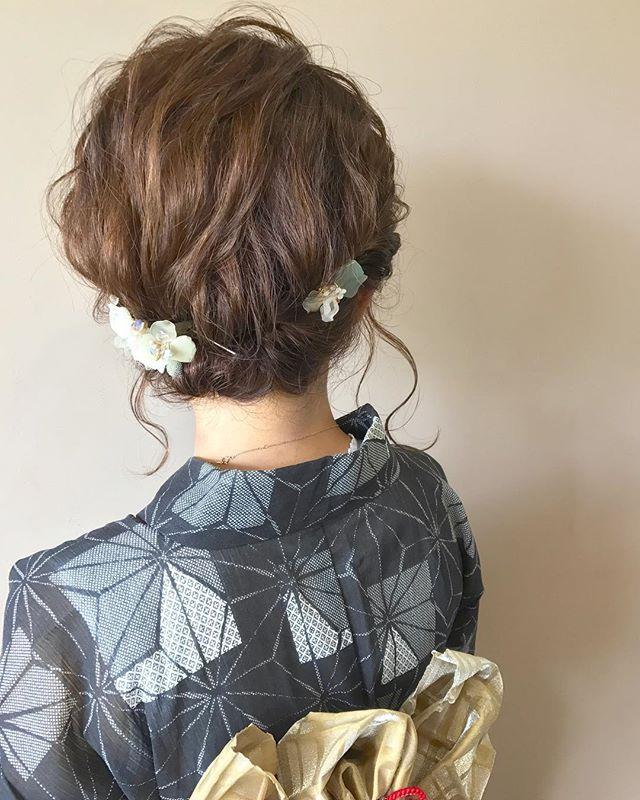 浴衣に似合うミディアムの簡単な髪型《シニヨン》