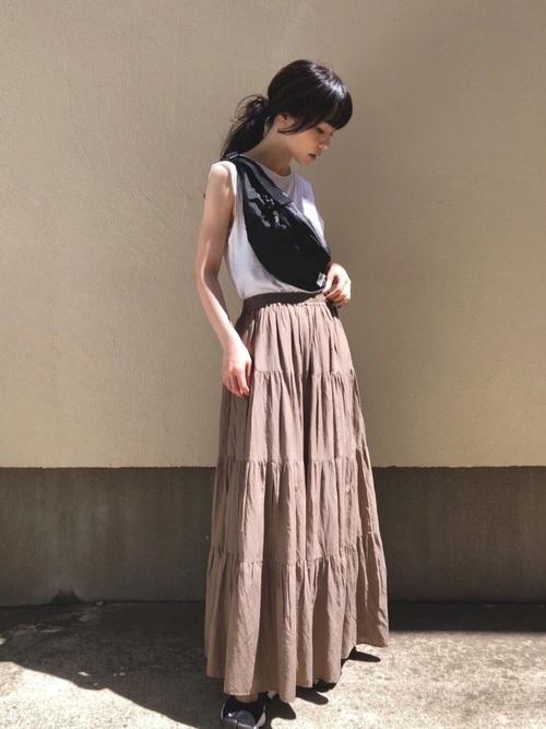 ティアードスカート+ナイキスニーカー