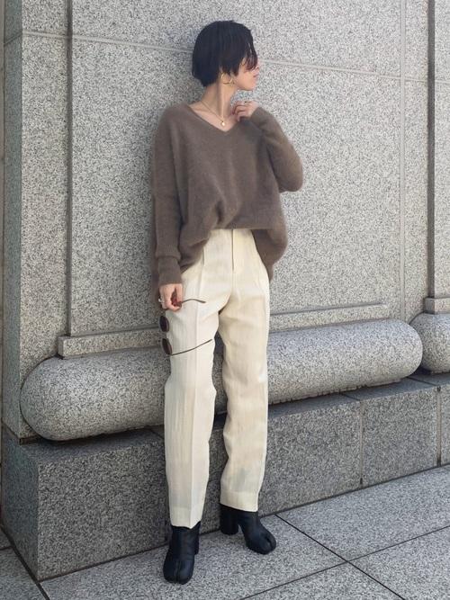 丸顔さん向けレディースファッション9